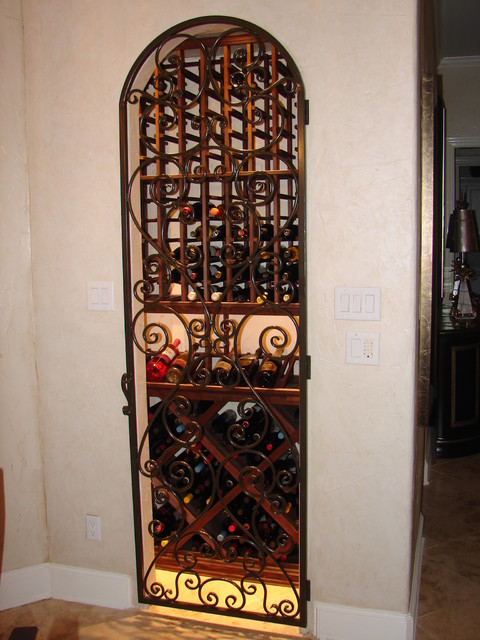 Wine cellars grottos wine cellar dallas by dallas for Turn closet into wine cellar