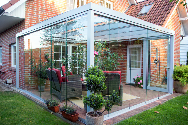 terrassen berdachung flachdach mit glas modern. Black Bedroom Furniture Sets. Home Design Ideas