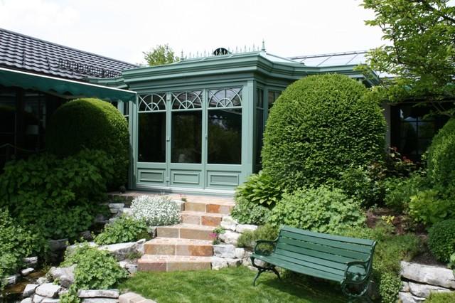 wintergarten mit segmentierten au ens ulen und faltanlage. Black Bedroom Furniture Sets. Home Design Ideas