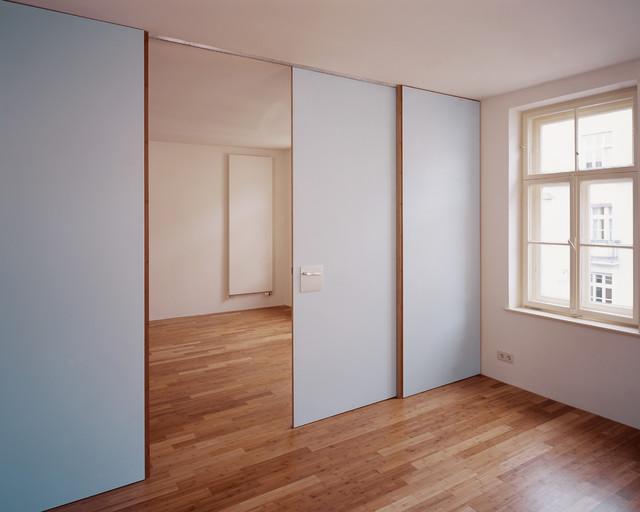 Altbauwohnung modern wohnzimmer m nchen von camp for Innenarchitektur wohnzimmer modern