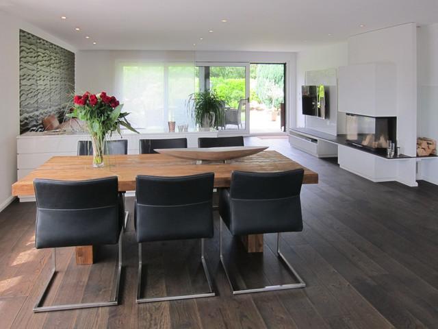 Blick aus der Küche in den Wohnraum - Modern - Wohnzimmer ...