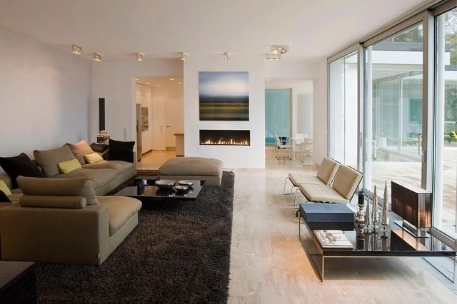 Bungalow mit pool modern wohnbereich d sseldorf for Bungalow modern einrichten