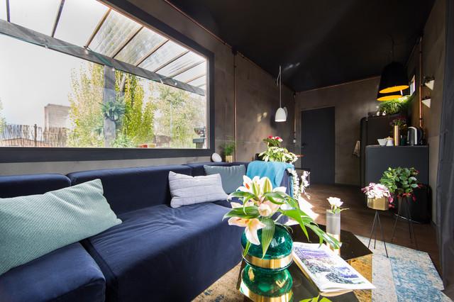 cooler schrebergarten in berlin modern wohnzimmer. Black Bedroom Furniture Sets. Home Design Ideas