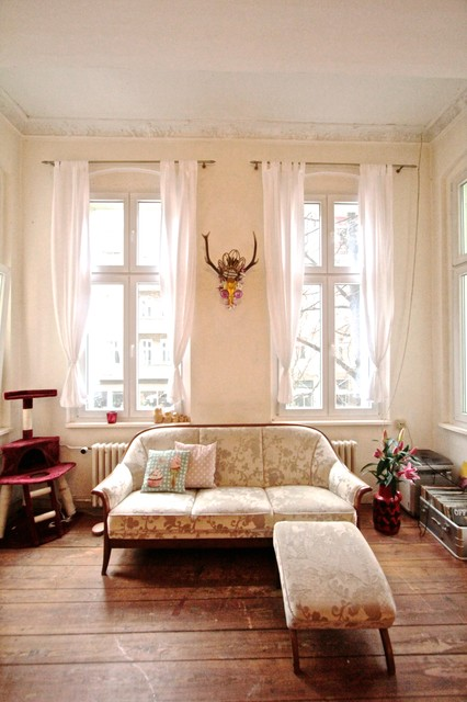 geraldine shabby chic style family room berlin by julia schoppe. Black Bedroom Furniture Sets. Home Design Ideas