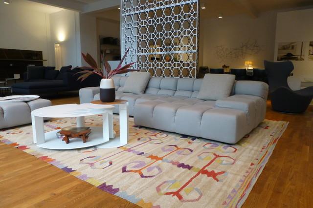 gro er kelim kombiniert mit grauer wohnlandschaft klassisch wohnbereich berlin von kiran. Black Bedroom Furniture Sets. Home Design Ideas