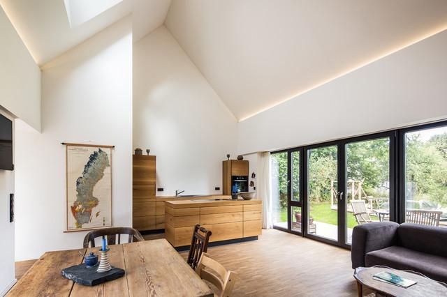 Christian Stolz haus autzen contemporary living room hamburg by christian
