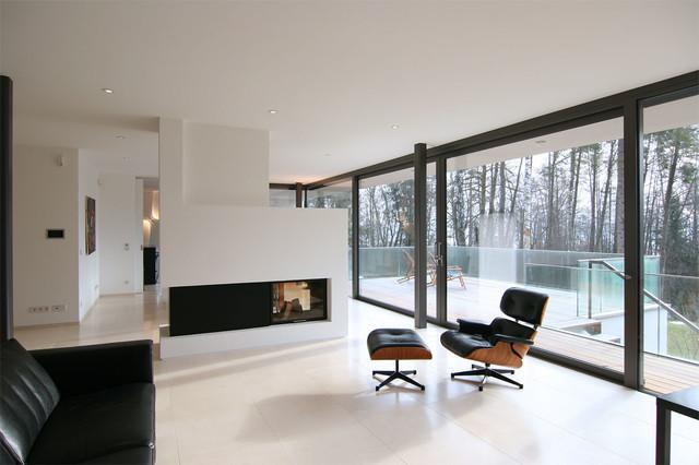 Haus k i minimalistisch wohnbereich m nchen von for Minimalistisch wohnen vorher nachher
