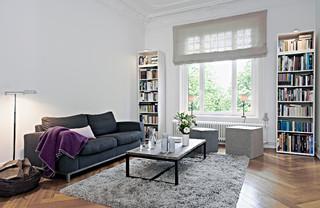 home staging altbauwohnung in hamburg eppendorf modern wohnzimmer hamburg von home. Black Bedroom Furniture Sets. Home Design Ideas