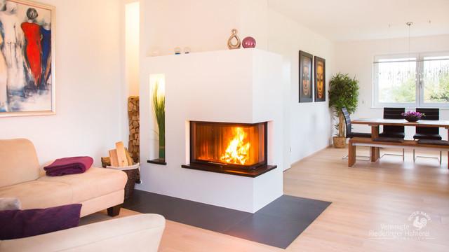 moderner heizkamin f r den wohnraum modern wohnzimmer m nchen von vereinigte riederinger. Black Bedroom Furniture Sets. Home Design Ideas