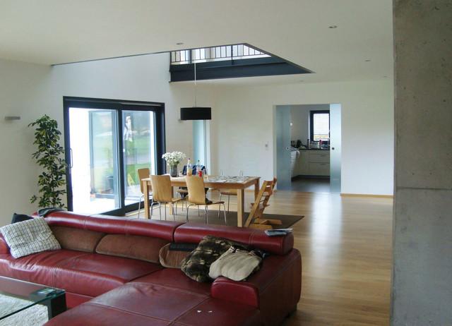 offenes wohnen mit luftraum. Black Bedroom Furniture Sets. Home Design Ideas