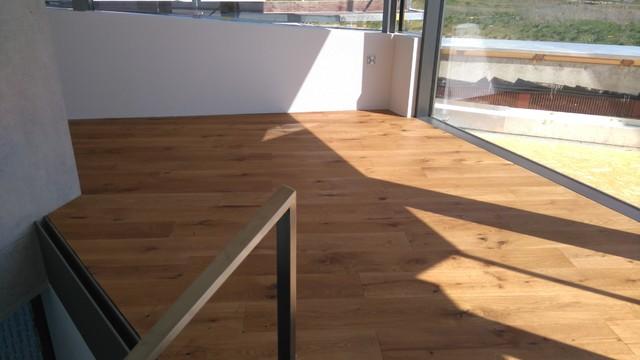parkett eiche leicht an ger uchert modern wohnbereich stuttgart von m parkett. Black Bedroom Furniture Sets. Home Design Ideas