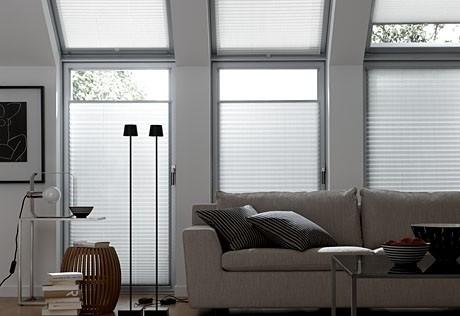 Plisse faltstore contemporary living room dortmund for Raumgestaltung goerdel