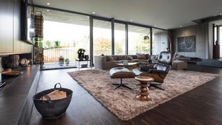 Wohnzimmer mit dunklem Holzboden Ideen, Design & Bilder | Houzz
