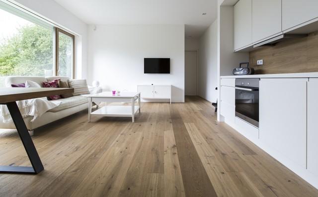 Rustikale wohnzimmer m bel beistelltisch holzblock for Beistelltisch holzblock