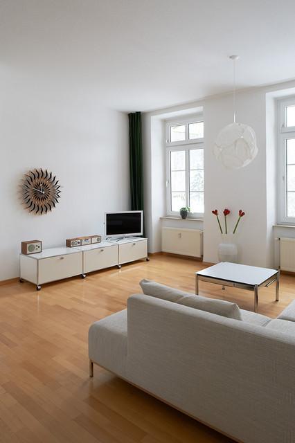 privatwohnung mit vitra und usm haller - traditional - family room, Wohnzimmer