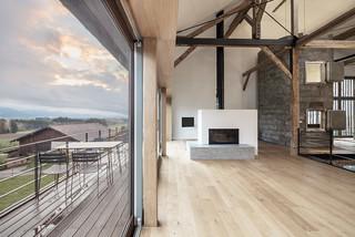 umbau einer bauernhoftenne in ein wohnhaus mit arztpraxis. Black Bedroom Furniture Sets. Home Design Ideas