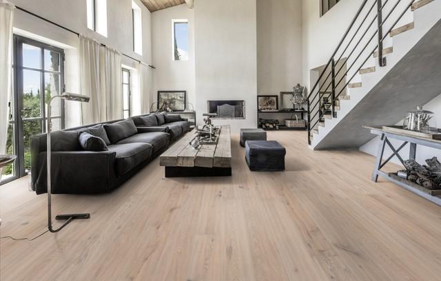 Wohnbereich mit treppe mit 2 und 3 schicht parkett k hrs for Wohnzimmer stuttgart