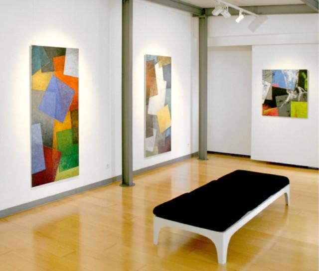 wohnen mit kunst modern wohnbereich n rnberg von. Black Bedroom Furniture Sets. Home Design Ideas