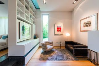 Wohnen mit kunst modern wohnzimmer m nchen von arteviva fine art - Wintergarten ffb ...