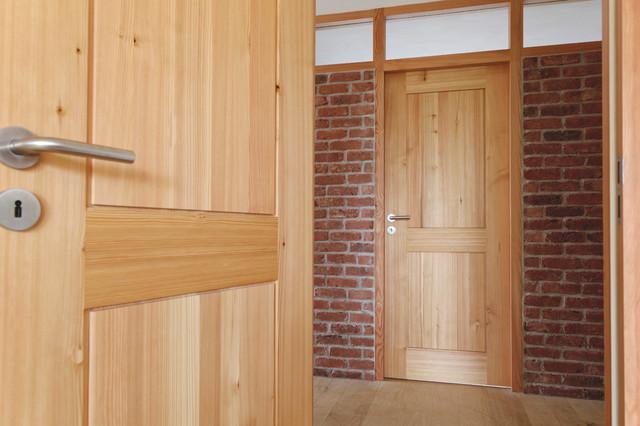 zimmert ren aus massivholz landhausstil wohnbereich. Black Bedroom Furniture Sets. Home Design Ideas